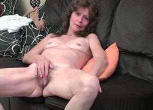 Hairy granny pussy video